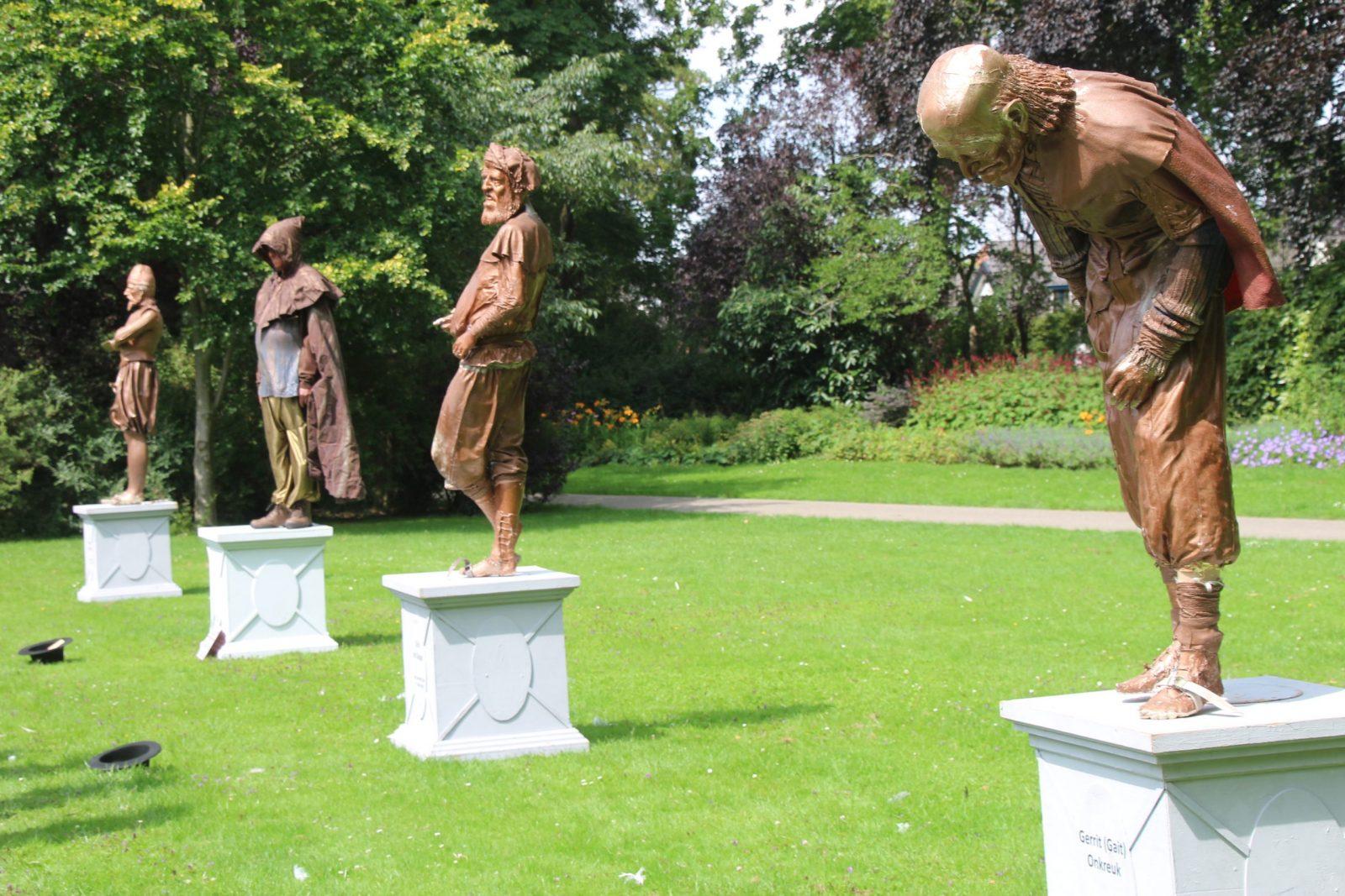 Stadspark Kampen vandaag toneel levende standbeelden