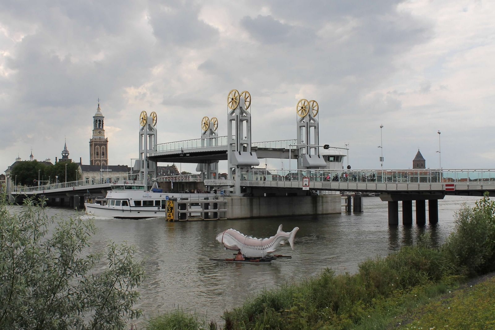 Stadsbrug weer toegankelijk voor alle verkeer