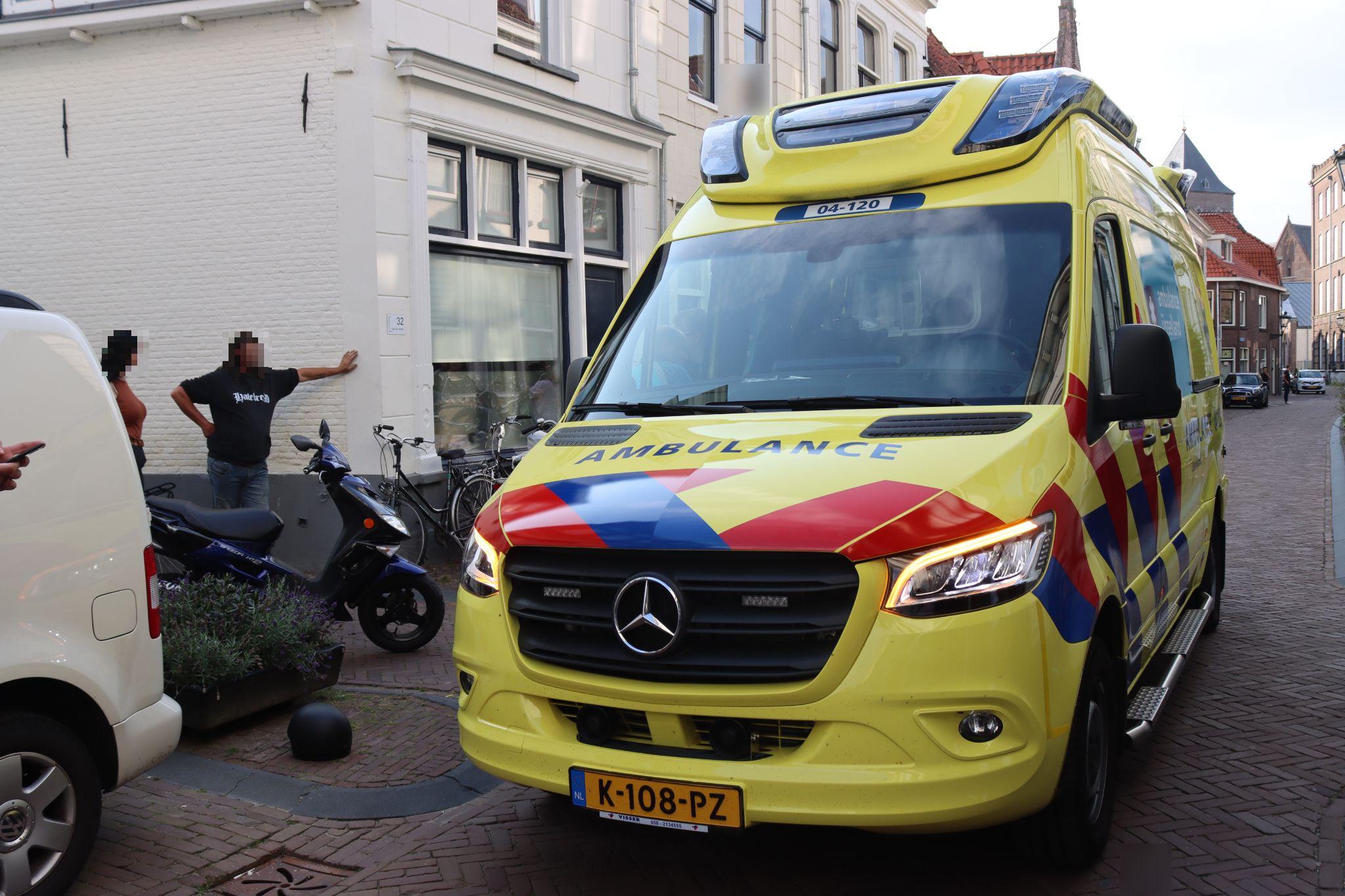 Scooters in botsing Buitennieuwstraat