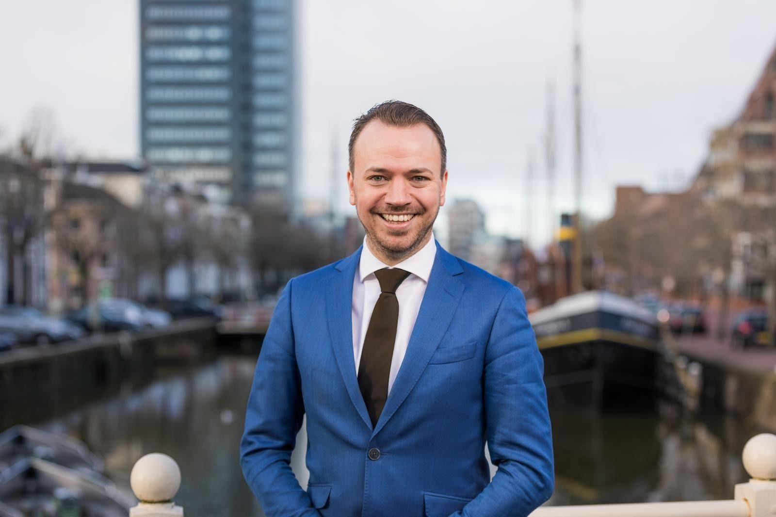 Gemeenteraad beveelt Sander de Rouwe aan als nieuwe burgemeester