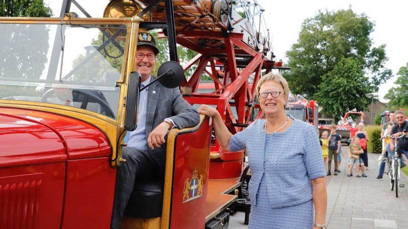Brandweer brengt eerbetoon aan Burgemeester Koelewijn (Video+foto)