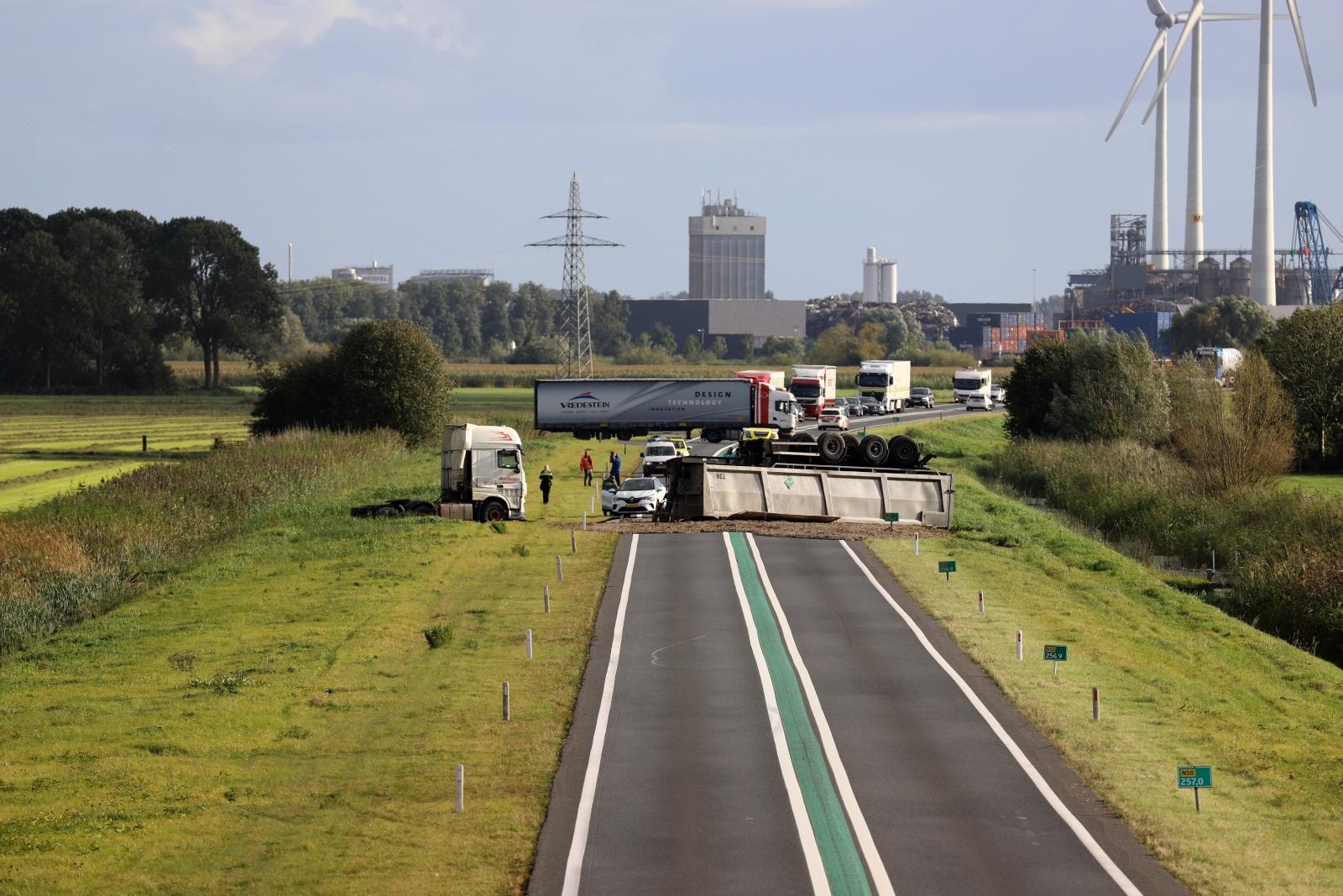 Wéér ongeval op N50, weg opnieuw dicht door ongeval met vrachtwagen